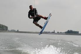 Waterboarden in het meer